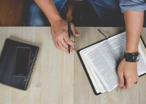 Evanghelia lucrează asupra inimilor