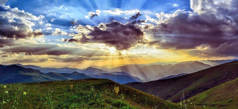 CITATE CELEBRE: O furnică nu poate răsturna un munte...