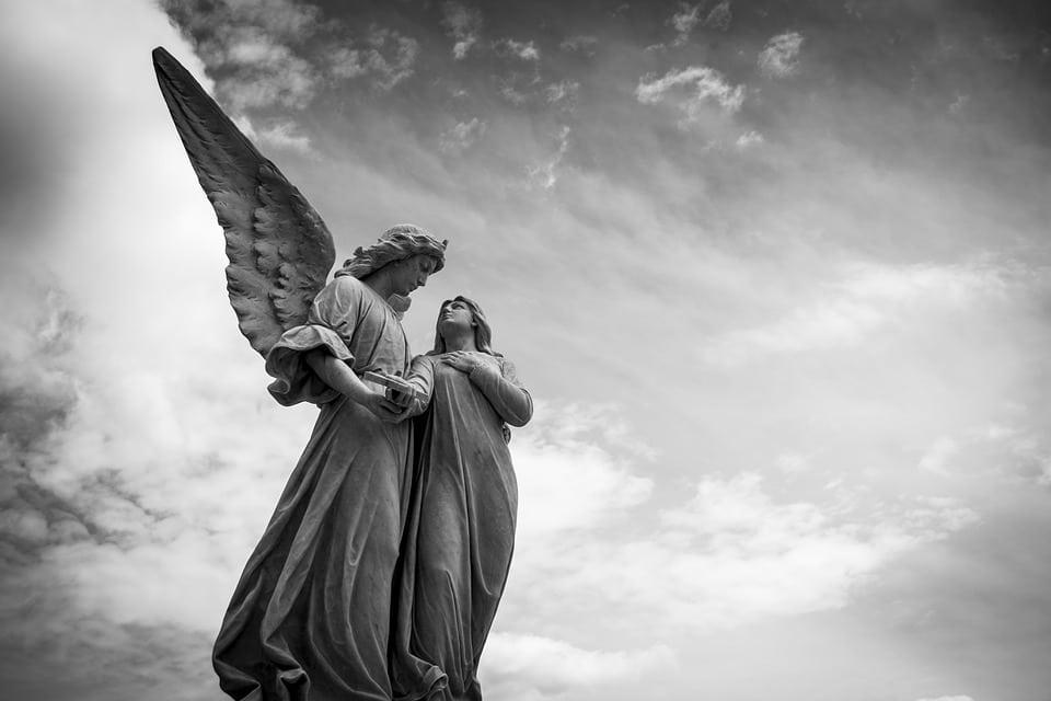 Mântuitoarele și înfricoşătoarele Taine, înaintea cărora îngerii stau plini de cutremur