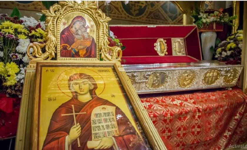 Pelerinaj la moastele Sfintei Parascheva. Foto: ansamblulmitropolitaniasi.ro