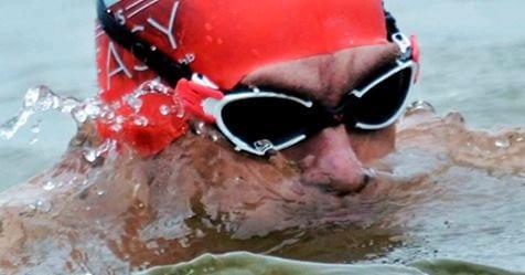 Avram Iancu, românul care a înotat 630 Km de la Sulina la Istanbul . Foto: Facebook Avram Iancu