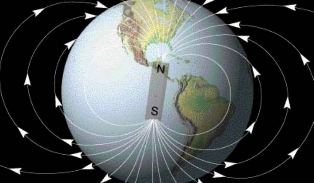 Se schimbă radical câmpul magnetic al Pământului.