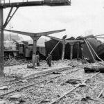 S-a întâmplat în 4 aprilie 1944: Bombardament masiv al aviaţiei anglo-americane asupra Bucureştiului, soldat cu mari distrugeri materiale şi mii de morţi. Au fost vizate zone civile, în special partea centrală a oraşului, cartierul Griviţa și zona Gării de Nord, ținta principală fiind această gară, deoarece prin bombardarea ei se încerca împiedicarea transporturilor militare spre frontul din Moldova, unde armata sovietică forţa înaintarea spre vest.