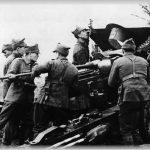S-a întâmplat în 12 mai 1945: Armata română şi-a încheiat participarea la cel de-al Doilea Război Mondial. Efectivele sale angajate în luptă s-au cifrat la aproape 540.000 de combatanţi. Prin rapturile teritoriale din 1940, guvernul României a primit declaraţii de război nescrise de la vecinii săi hrăpăreţi: Uniunea Sovietică, Ungaria horthystă şi Bulgaria. Administraţia românească, unităţile militare româneşti şi o parte din populaţia românească, aflată în provinciile româneşti furate de către vecini, au suferit mari umilinţe din partea trupelor de ocupaţie şi a unor extremişti localnici, care au trecut de partea ocupanţilor.